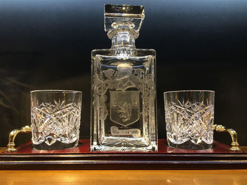 Picture of Whiskey Nightcap Set with Hand Engraved Family Crest