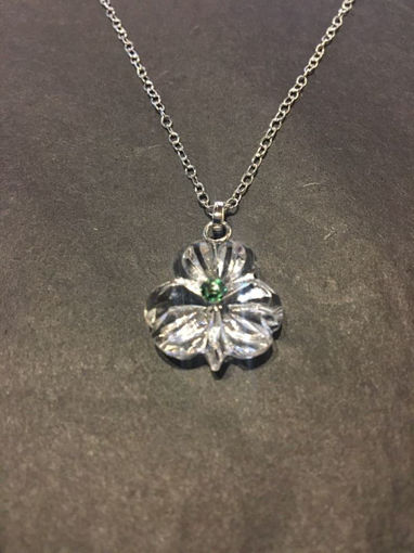 Picture of Small Shamrock Necklace Green Emerald Stone